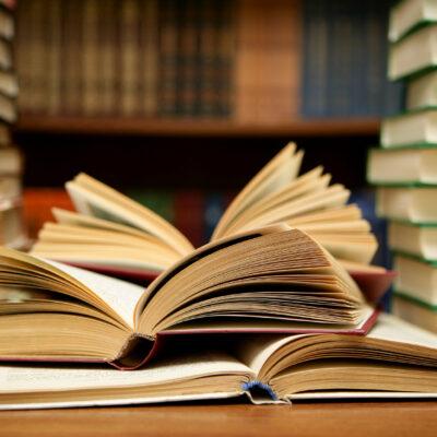 Abhi Sharma, Books HD, CC BY 2.0