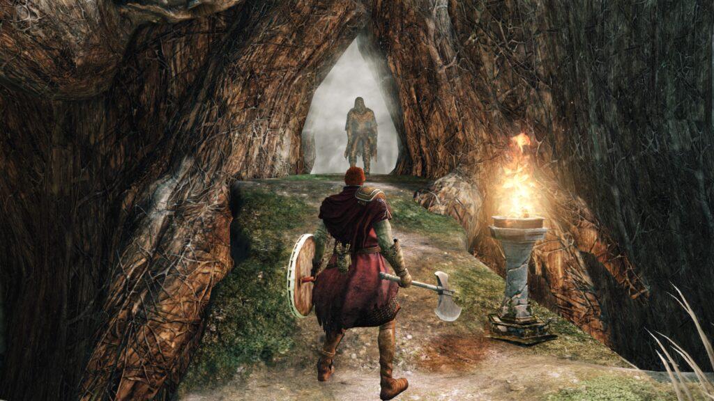 Manche der mysteriösen versteinerten Gegner werden wohl erst im NG+ befreit. Dieser im Startgebiet ist dafür ein guter Kandidat. | Bild: From Software / Bandai Namco [Dark Souls II]